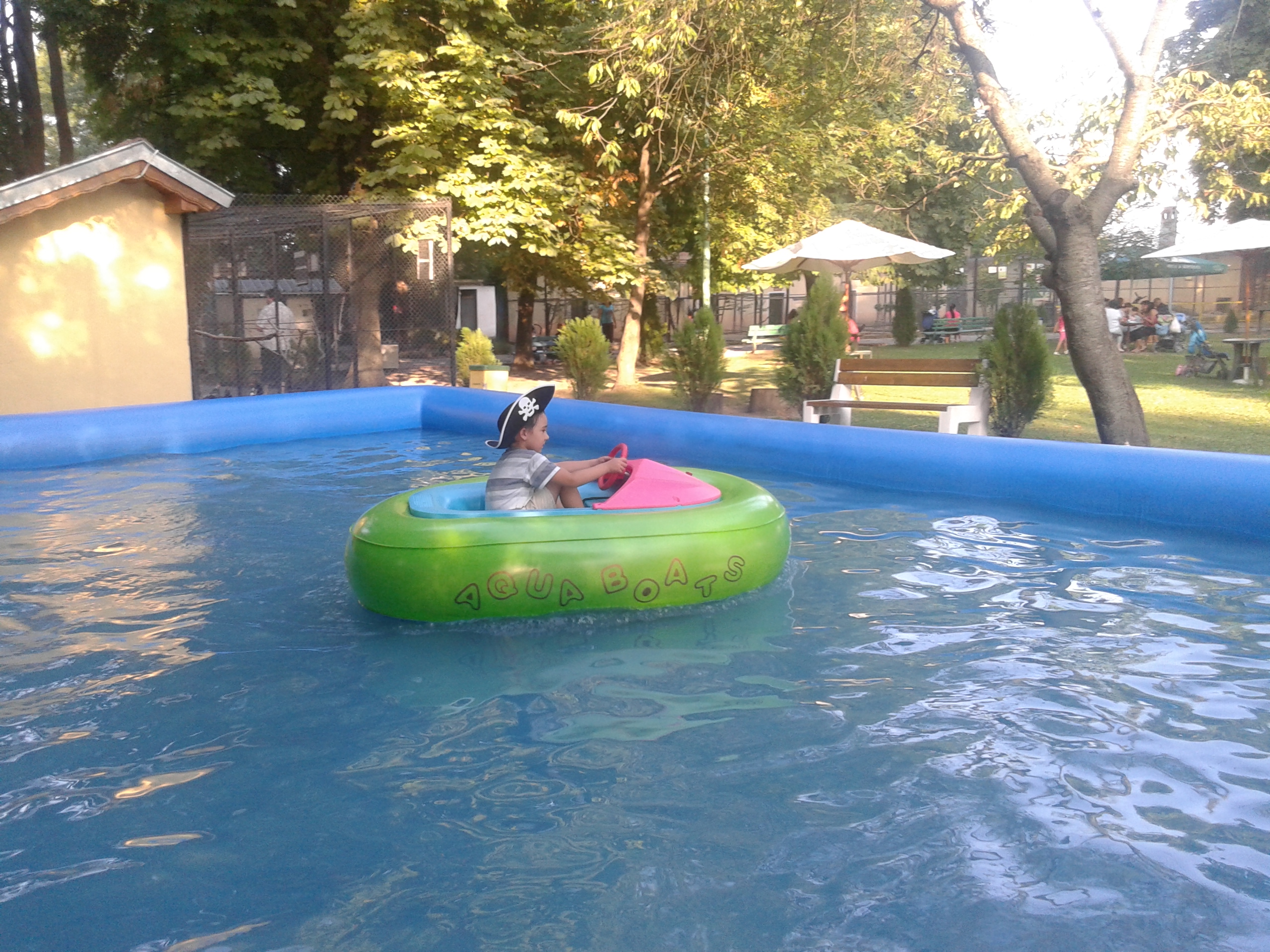 Inflatable pool for water ball or bumper boats with tent for Piscinas inflables