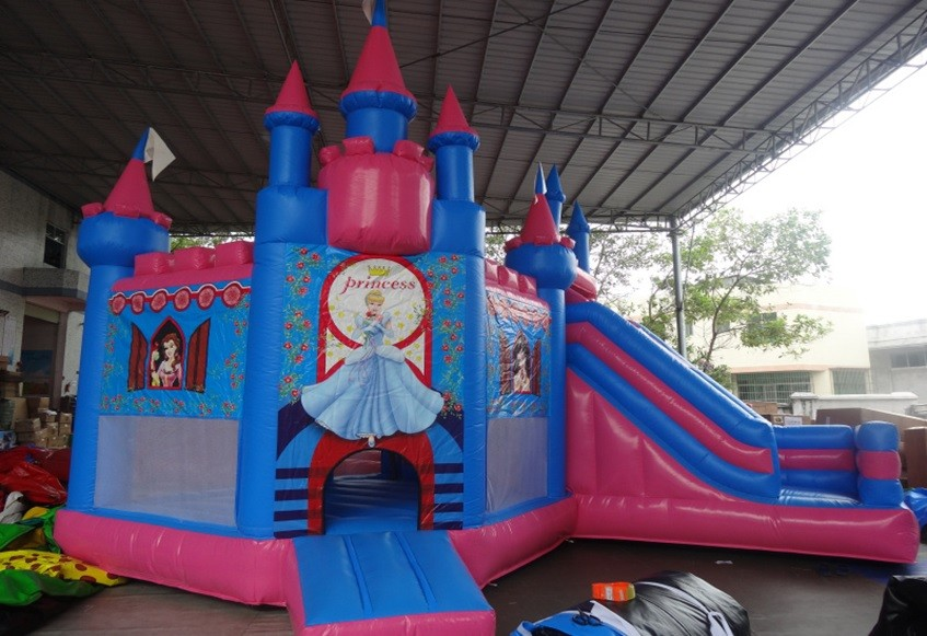 Inflatable Castle 7m on 5m on 4m